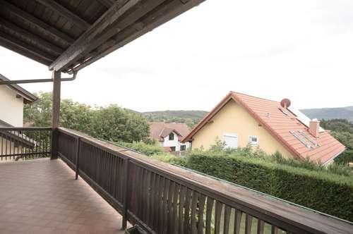 MÖDLING, am Gießhübl: 270m² Wohnfläche mit Fernsicht + Keller + pflegeleichtem Garten + Tiefgarage