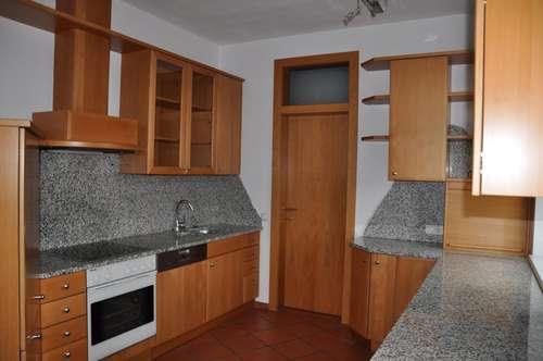 Mietwohnung mit 3 Schlafzimmer und Büro, Terrasse und Wintergarten - unweit von Steyr