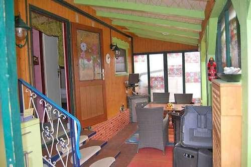 Geräumiges Mobilheim mit überdachter Terrasse, Obj. 12442-SZ