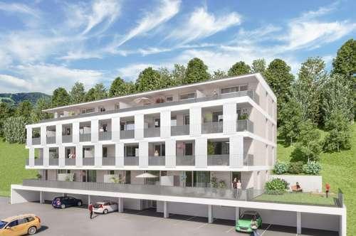 ERSTBEZUG! Blick auf die Saalfeldner Bergwelt!  Geförderte 3-Zimmer Dachgeschoßwohnung mit großer Terrasse und Garagenplatz! Mit hoher Wohnbauförderung