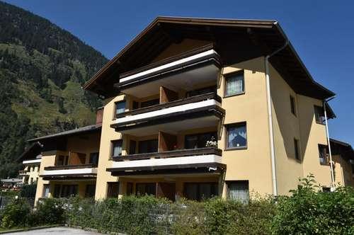 Hohe Wohnbeihilfe bei geförderter Großgarconniere mit Balkon und Tiefgaragenplatz