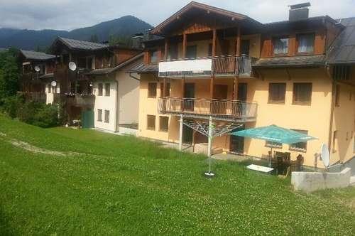 EXKLUSIVES ANGEBOT: Geförderte 3-Zimmer-Erdgeschoßwohnung mit Loggia und Carportplatz