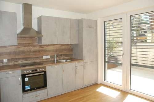 besondere helle zwei Zimmer Maisonette Wohnung