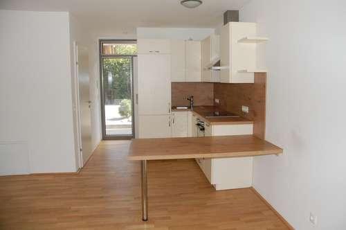 besondere, helle zwei Zimmer Maisonette Wohnung