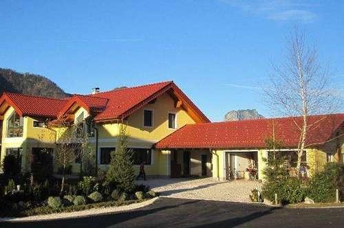 Exklusives Wohlfühlhaus mit gepflegten Garten in Ebensee am Traunsee!