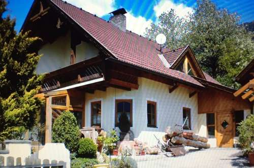 Mehrfamilienhaus mit Einliegerwohnung