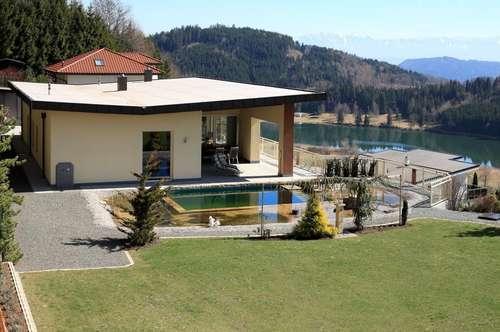 Moderne Villa mit Seeblick