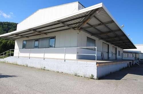 Betriebsobjekt mit Büro- Lager- und Werkstätten Gebäude am Südring