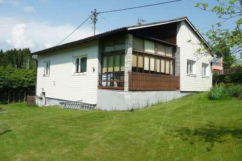 Kleines, sanierungsbedürftiges Wohnhaus in Freibadnähe