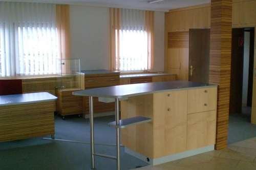 Schön ausgestattete, teilmöblierte Büro- Geschäftsflächen