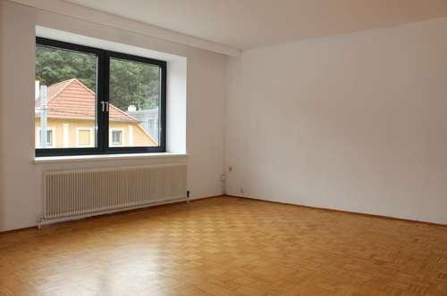 Helle Wohnung mit Loggia - ideal für Familien!