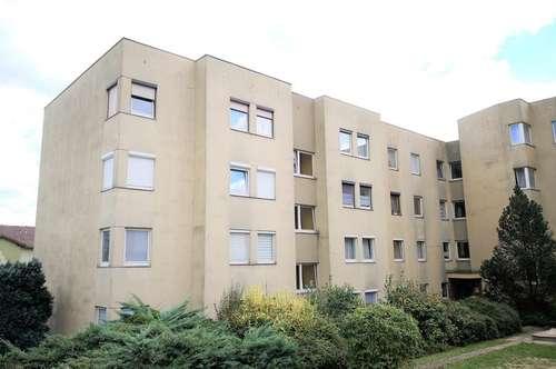 Schöne Wohnung mit 2 Kinderzimmern, Loggia, Küche & Parkplatz