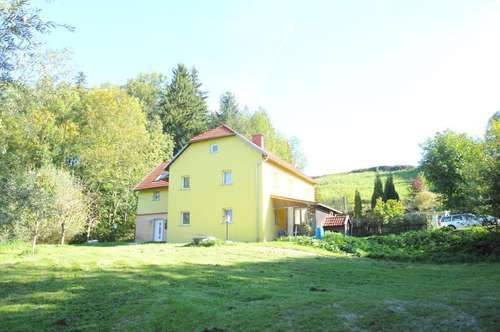 Absolute Alleinlage, Renoviertes Wohnhaus/Sacherl mit großem Fischteich