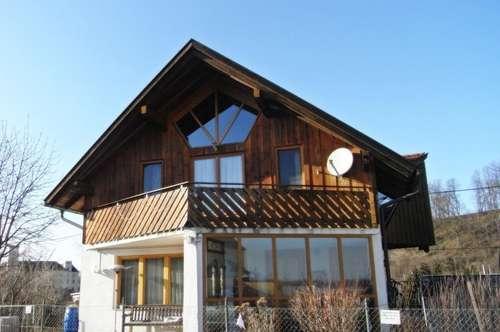 Schöne, helle Dachgeschosswohnung in ruhiger Lage