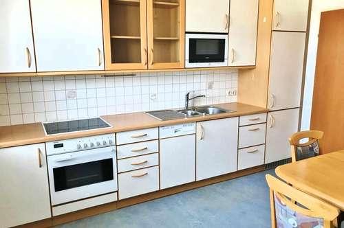 Wohnung mit Loggia und Tiefgaragenplatz