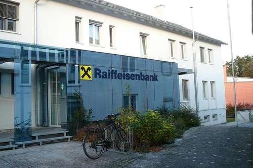 gemütliche Mietwohnung im Raiffeisenbankgebäude