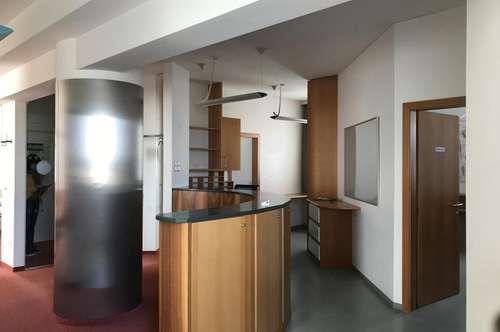 Wunderschöne Büro-, Praxis- oder Gemeinschaftsräumlichkeiten mit repräsentativer Ausstattung