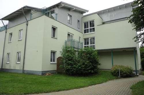 Single- Mietwohnung mit Terrasse und PKW-Stellplatz