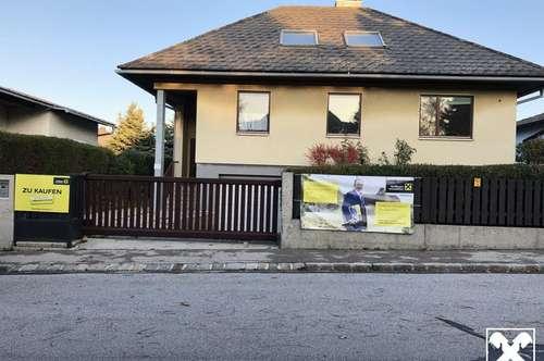 Solides Baumeisterhaus mit viel Potential in bester Lage!