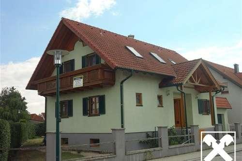 Einfamilienhaus mit DOPPELGARAGE und Wohnkeller in ruhiger Ortsrandlage am Neusiedlersee!