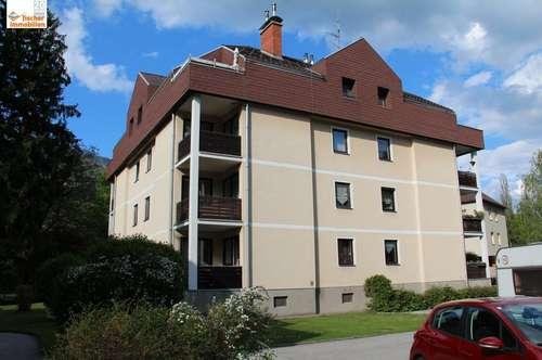Mietwohnung mit Balkon und Carport