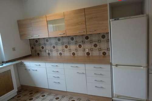 Nette 60 m² 2 Zimmer Wohnung - auch WG geeignet !