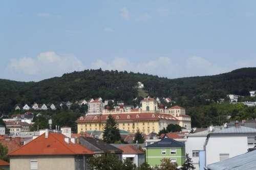 Eisenstadt - Zentrumsnähe neu renovierte 110 m² Wohnung mit schönen Wintergarten und Loggia !!