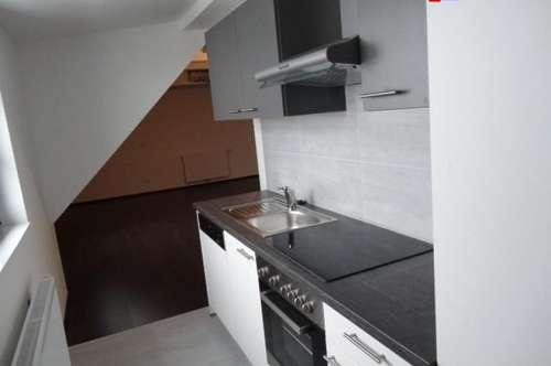 Liebe 30 m² Dachgeschoßwohnung perfekt für Singles!