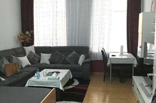 geräumige 4 Zimmer Anlegerwohnung am Henriettenplatz