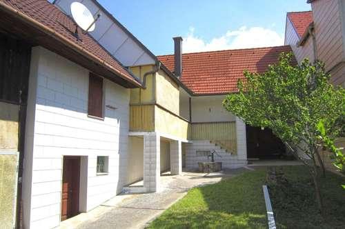 Vollunterkellertes Haus mit ruhigen, sonnigen Innenhof!