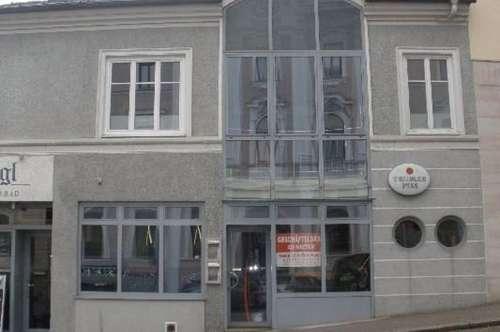 Bar Restaurant in der Filmstadt Gmunden