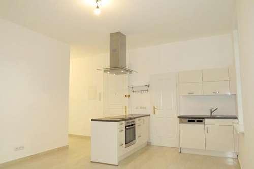 1050 Wien: Neu sanierter 2 Zimmer-Altbau mit Terrasse