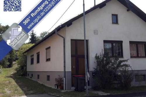 Kleinhadersdorf: Einfamilienhaus mit einer Wohnebene und Keller sowie 2. Grundstück