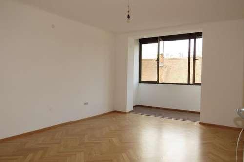 8020 Graz: Neu sanierte 3 Zimmer-Wohnung mit Balkon