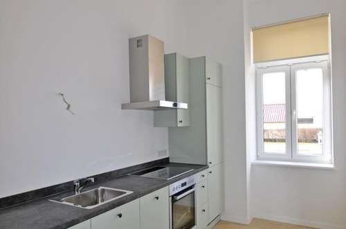 2ERSTBEZUG: Zimmer-Wohnung Nahe Wolkersdorf mit Einbauküche