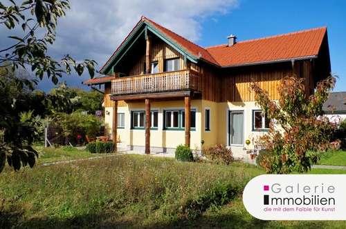 Erstklassiges Wohnhaus mit großem Garten in Holzriegelbauweise in Sackgasse