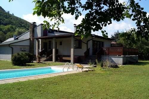 Sonniger, ebener Gartentraum in Purkersdorf - Wohnliches Einfamilienhaus auf 2.000 m2 (teilbarem) Grundstück