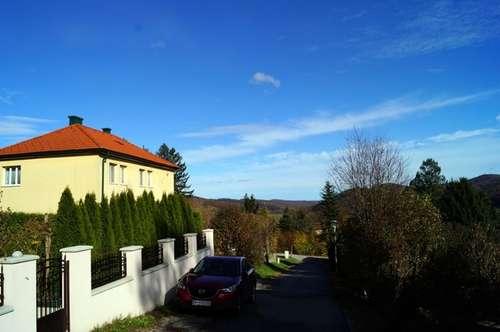 Familienvilla mit Seeblick in ruhiger Sonnen-Lage mit grandiosem Panorama