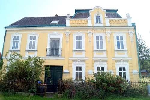 Repräsentative Jugendstil-Villa (BJ 1911): Kleinod auf uneingesehenem Gartengrundstück in absoluter Ruhelage