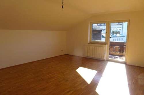 Schöne 3-Zimmer-Dachgeschoß-Wohnung in Neumarkt/Wallersee - zur Miete
