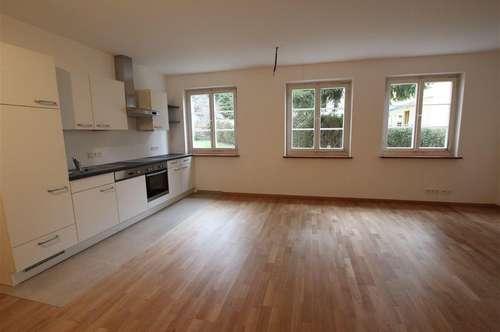 Zentrale Stadtlage Riedenburg: Sehr schöne 2-Zimmerwohnung, Erstbezug nach Sanierung