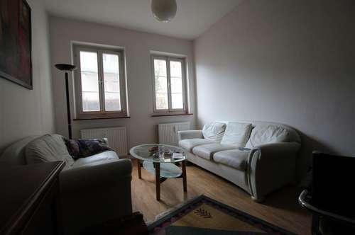 Riedenburg: Zentrale, gepflegte 2-Zimmerwohnung, TG-Stellplatz im Haus optional