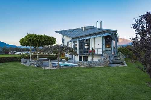 Modernes Design-Highlight mit gigantischem Panoramablick
