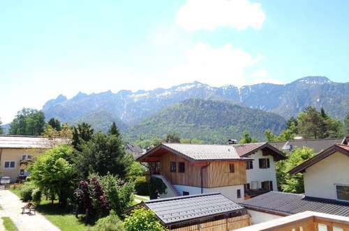Erstbezug in revitalisierten Altbau! Charmante 3 1/2-Zi.-Dachatelierwohnung in Sonnen- u. Aussichtslage in Großgmain