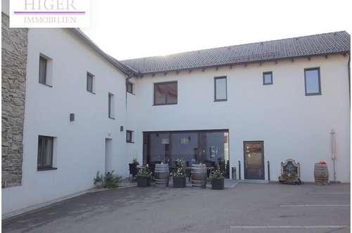 Sanierte Wohnhausanlage mit modernem Café in 3552 Lengenfeld!