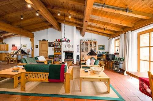 Blick frei im Freizeitwohnsitz! Authentische DG-Wohnung in zentraler Lage und  hervorragendem Grundriss