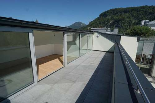 Stadtgeflüster! Dachterrassen-Maisonette in absoluter Ruhelage nahe dem Schrannenmarkt