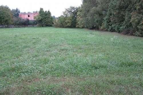 Sonniger Grundstück in Lassee, Erholungszentrum