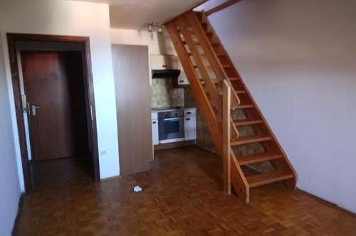 Dachgeschosswohnung 2 Zimmer