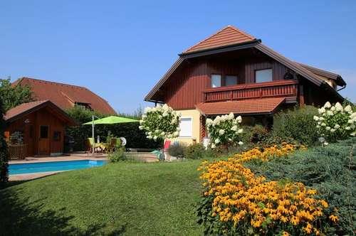 Exquisites Wohnhaus mit bezaubernden Garten
